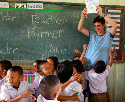 Teaching Children English in Thailand class